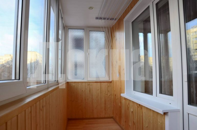Остекление Балкона окна Rehau